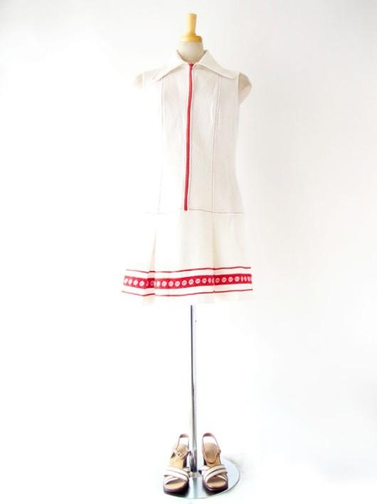 60'sライクなレトロデザインとカラーリング、 Twiggyが着ていたようなスウィンギン・ロンドン気分のヴィンテージワンピ