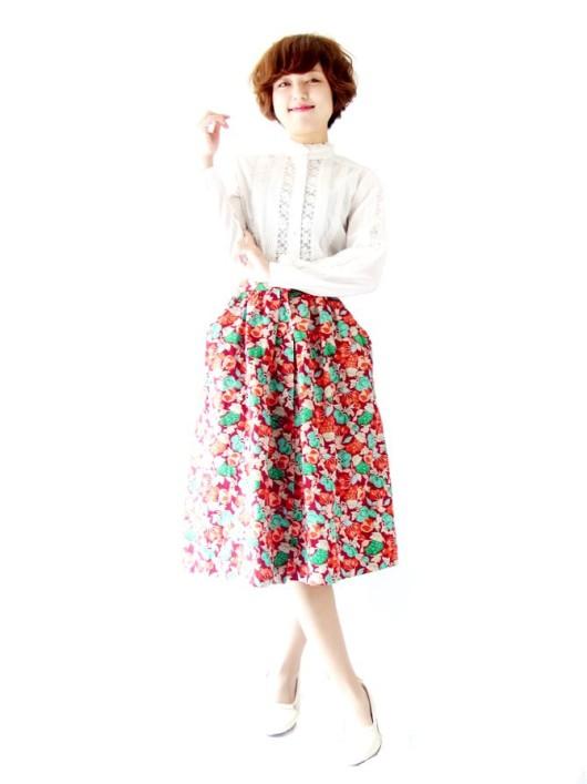 美しいワインレッド、大人可愛いぶどうのプリント。美麗なフランス買い付けスカート