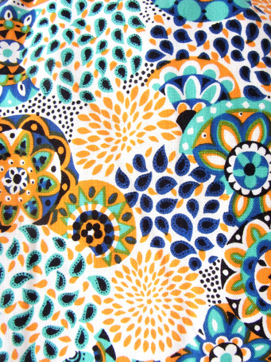 【送料無料】フランス買い付け 60年代製 ホワイトXオレンジ・水色・ブルー 花柄モチーフ レトロプリント ワンピース 15FC103【ヨーロッパ古着】