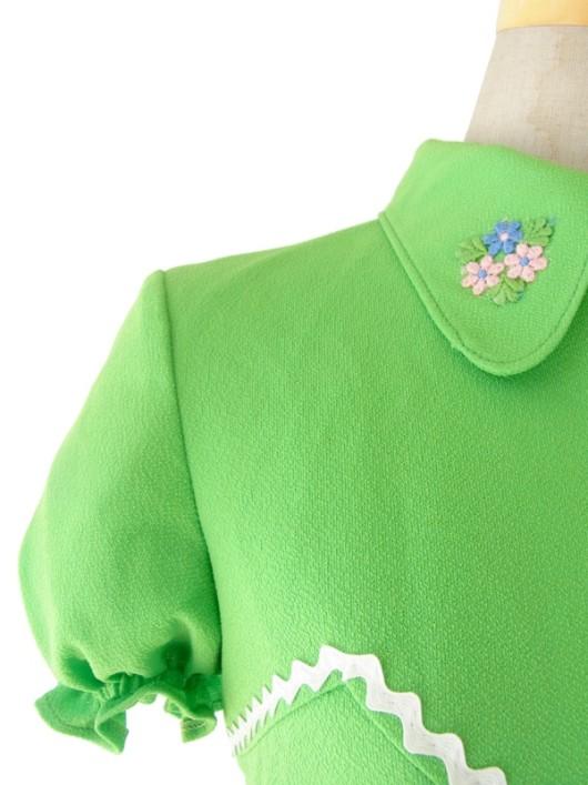 【送料無料】ロンドン買い付け 60年代製 ライムグリーン X ホワイト山道テープ 花柄刺繍 レトロ ワンピース 15OM101【ヨーロッパ古着】