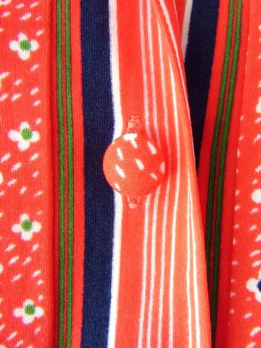 【送料無料】60年代フランス製 レッド X 小花柄・ストライプ くるみボタン ヴィンテージ ワンピース 15FC220【ヨーロッパ古着】