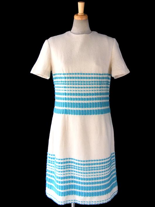 【送料無料】ロンドン買い付け 60年代製 オフホワイト X 水色 レトロ柄刺繍 ヴィンテージ ワンピース 16OM122【ヨーロッパ古着】
