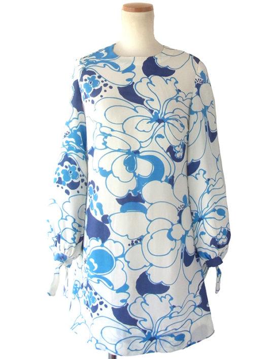 【送料無料】フランス買い付け 60年代製 ホワイト X ブルー お花モチーフのレトロ柄 袖ひも絞り ワンピース 16FC311【ヨーロッパ古着】