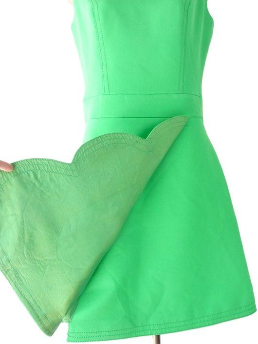 【送料無料】ロンドン買い付け 60年代製 グリーン X ビッグステッチ 波型デザインスカート レトロ ワンピース 16OM756【ヨーロッパ古着】
