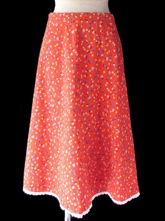 【ヨーロッパ古着】フランス買い付け 60年代製 レッド X カラフル 小花柄 裾レーステープ ヴィンテージ スカート 13FC532【おとなかわいい】