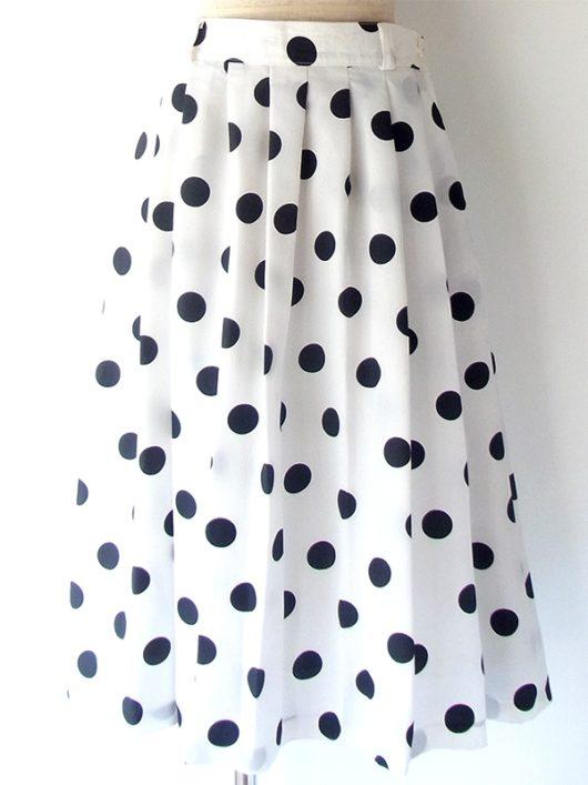 【ヨーロッパ古着】ロンドン買い付け イタリア製 ホワイト X ブラック 水玉 両サイドにポケット付きスカート 16BS231【おとなかわいい】