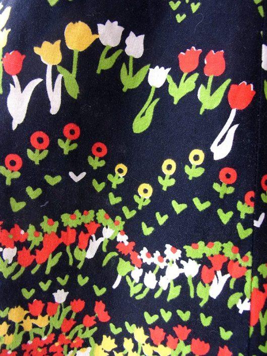 【ヨーロッパ古着】ロンドン買い付け 60年代製 ブラック X カラフルなチューリップ柄 スカート 17OM226【おとなかわいい】
