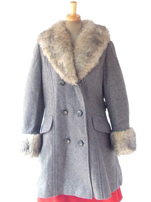 【送料無料】ロンドン買い付け グレイ X ファーがたっぷり襟と袖口にあしらわれた Aライン コート 13SP015【ヨーロッパ古着】