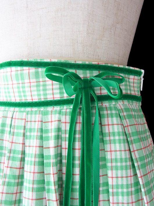 【ヨーロッパ古着】ロンドン買い付け グリーン X ホワイト・レッド チェック柄 ベロア・レーステープ装飾 スカート 17BS139【美品】