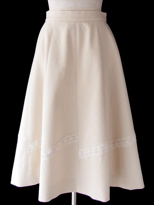【ヨーロッパ古着】ロンドン買い付け きれいなアイボリー X レーステープ装飾 スカート 17BS148【美品】