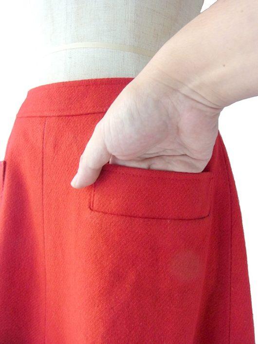 【ヨーロッパ古着】ロンドン買い付け 60年代製 レッド X ポケット付き しっかりとしたウール生地の スカート 17BS149【美品】