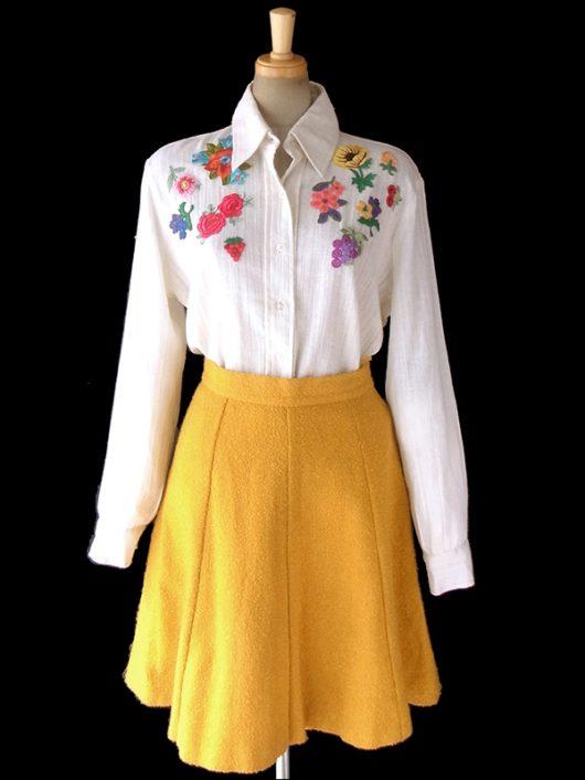ヨーロッパ古着 ロンドン買い付け 70年代製 オフホワイト X カラフル花柄刺繍アップリケ ヴィンテージ ブラウス 5LA773