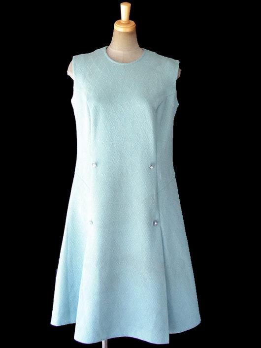 【送料無料】ロンドン買い付け 70年代製 水色 X ラメ糸の織り込まれた レトロ柄 ラインストーン入りボタン ワンピース 18OM220【ヨーロッパ古着】