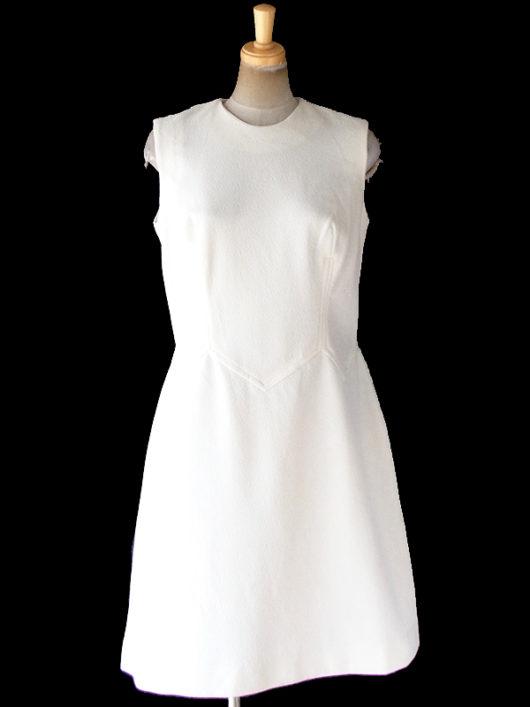 【送料無料】ロンドン買い付け 70年代製 オフホワイト X 凹凸でパターンの浮かぶ生地 ヴィンテージ ワンピース 19OM902【ヨーロッパ古着】